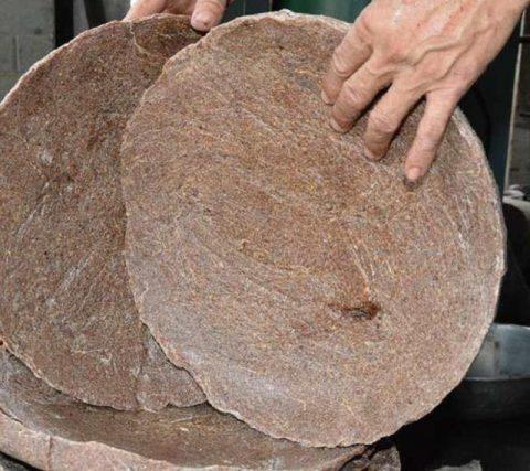 Phân bánh dầu được xếp vào phân bón hữu cơ chậm tan.